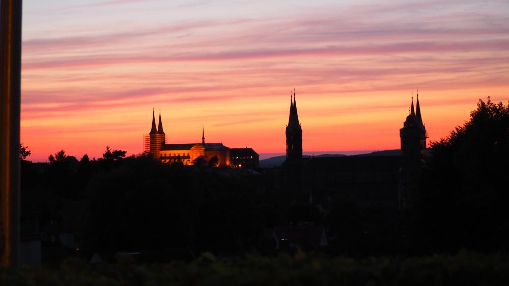 Blick über das abendliche Bamberg vom Spezi-Keller